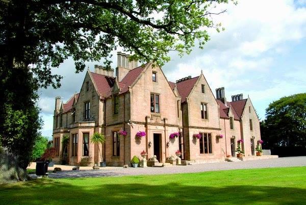 Exterior shot of wedding venue the Glenbervie House Hotel Stirling