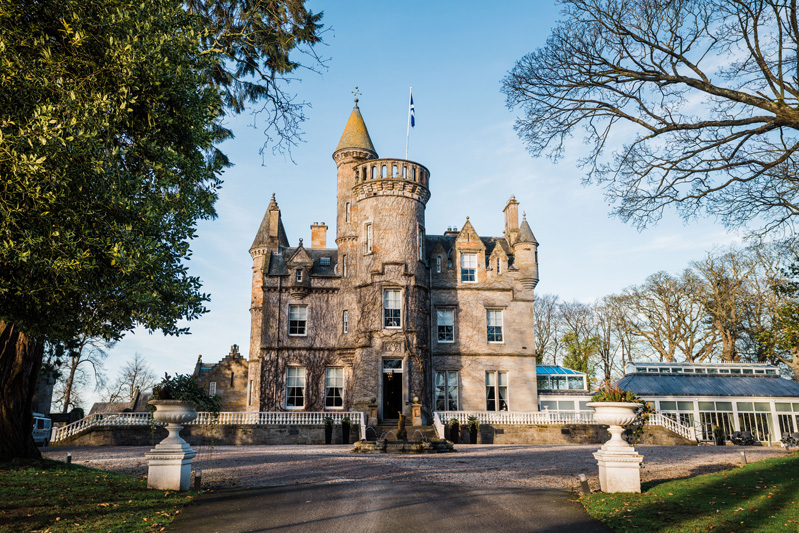 Carlowrie Castle Edinburgh Wedding Venue outdoor grounds